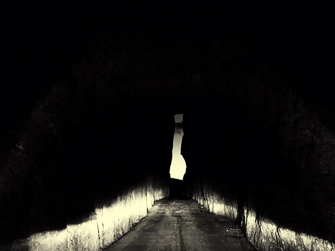 Gateway Nightmountain Narrow Dark Diminishing Perspective Tranquility No People