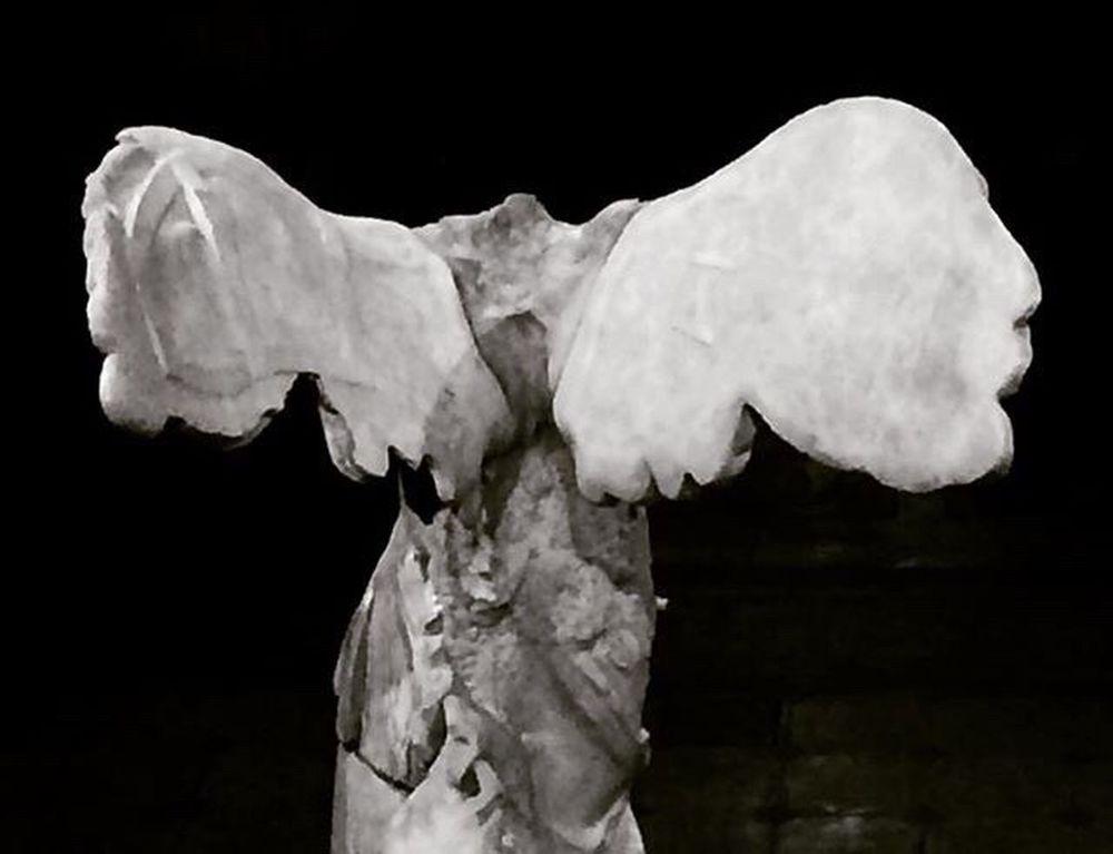 San Carlos CDMX. Centrohistorico Esculture Samotracia Dama Alada Blackandwhite