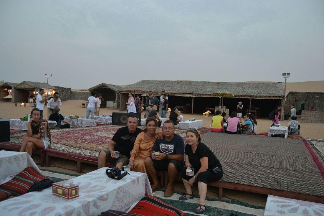 Dubai, cena en el desierto,aventura