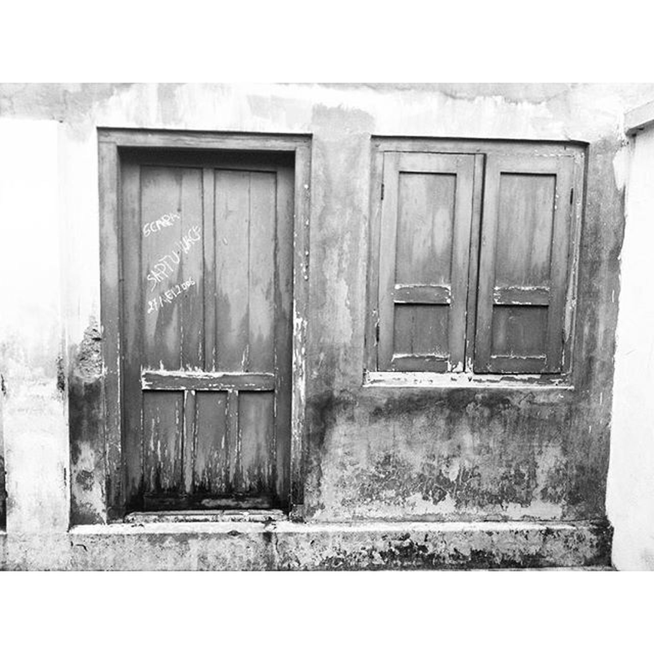 door, closed, no people, outdoors, day, wood - material, building exterior, architecture, built structure, close-up