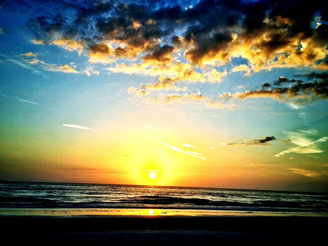 Stunning sunset tonight... Being A Beach Bum Sunset_collection Sunset Sunsetporn Salt Life BeachSunset Florida EyeEm Nature Lover