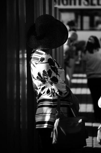 Berliner chic The Street Photographer - 2015 EyeEm Awards The Moment - 2015 EyeEm Awards The Portraitist - 2015 EyeEm Awards The Fashionist - 2015 EyeEm Awards Streetphoto_bw Black & White Eye4photography  Woman Hat Handbag