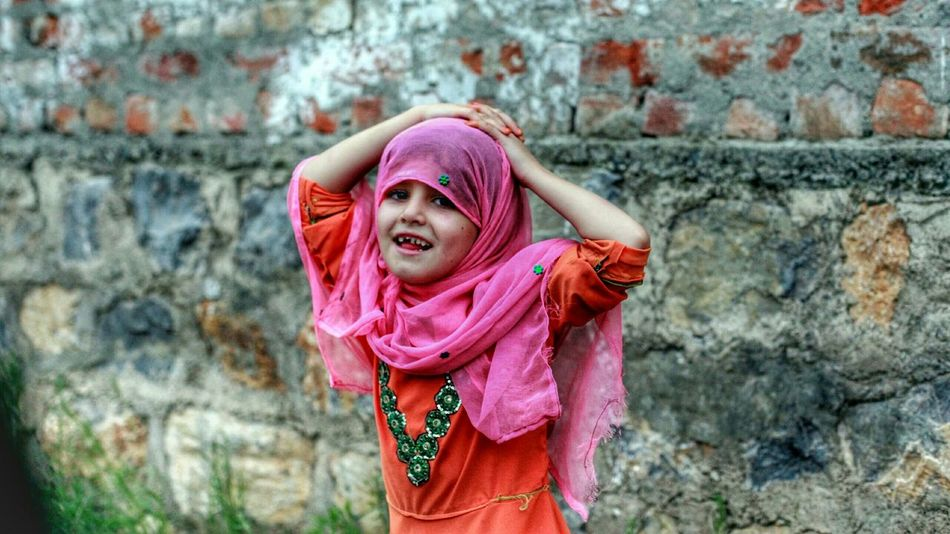 Sunn. Khankanati hai zindagi. Portraits. EyeEmStreetshots Streetphotography Theroadsidelife Happyfaces For Peshawar.