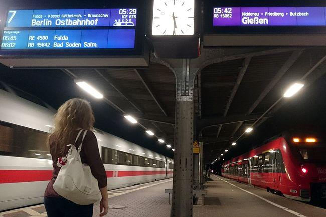 Abschied... Good Morning! Public Transportation Hello World ✌ Eyemphotography EyeEm Best Shots - The Streets EyeEm Deutschland Ice Mittelhessen-Express Illuminated Talent 2 Sony Xperia Sony Xperia Z3 Compact Overnight Success