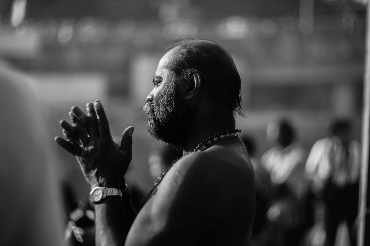 Thaipusam 2017 at Batu Caves Malaysia Batu Caves Black And White Blackandwhite Photography Bnw_friday_eyeemchallenge Devotee Fest Festival Fé Hindu Hinduism Lord Murugan Murugan - Batu Caves Pray Praying Temple Thaipusam Thaipusam 2017