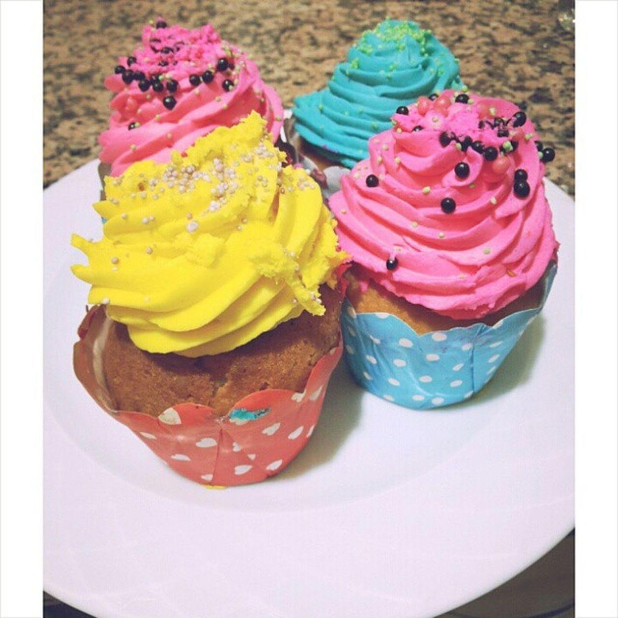 En sevdigim seyler Renklirenkli Cupcake Tabikiyemedim