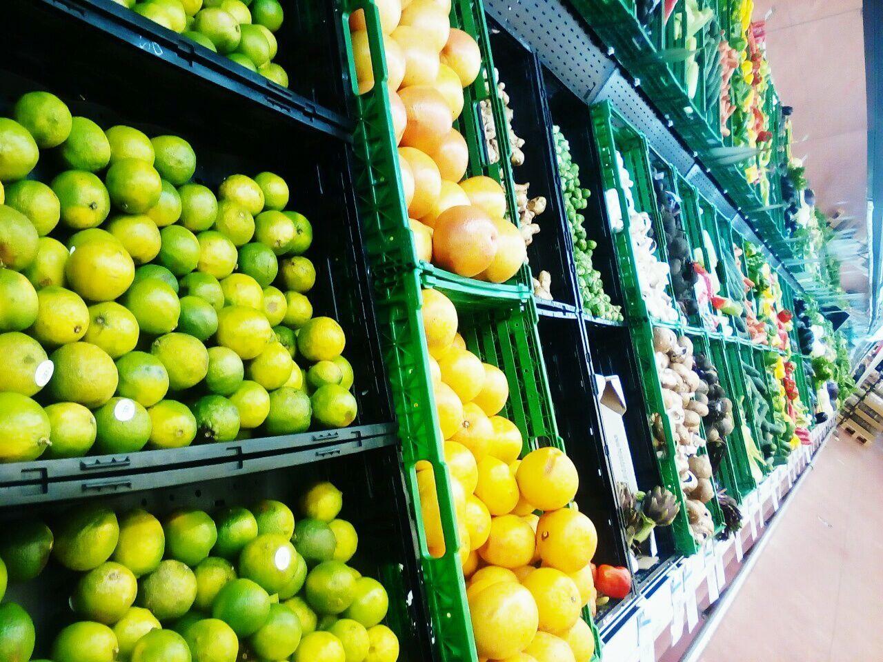 Fruit Citrus Fruit Large Group Of Objects Abundance Apple - Fruit Market Food Orange - Fruit Grapefruit Supermarket No People Store For Sale Variation Vegetable