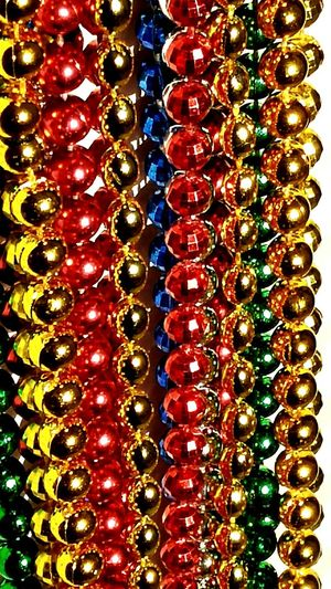 The OO Mission Sparkling Circles Round Beads Coloroflife