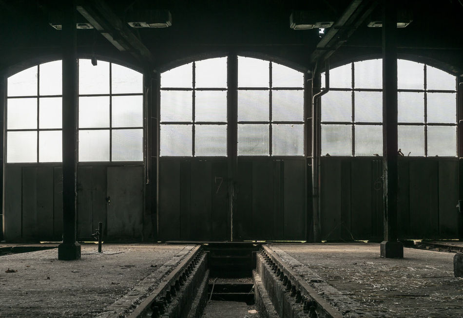 Abondoned Abondoned Places Absence Architecture Built Structure Deterioration Doors Empty Engine Shed Fenster Forgotten Forgotten Places  Geometric Shape Hall Halle  Interior Lokschuppen No People Schuppen Shed Türen Windows The Secret Spaces
