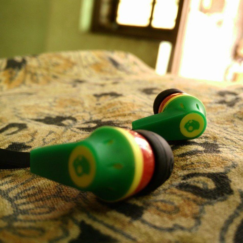 Got these finally Skullcandy Rastaedition Rastafarian Musicaddict Dubstep Edm House Trance HipHop Rap Earbuds 😍