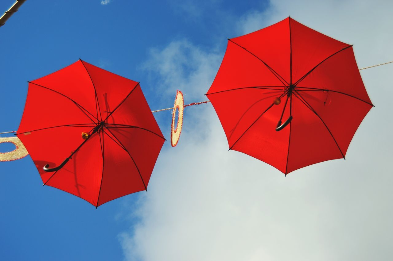 Umbrella Red Multi Colored Sky Day Cielo Umbrellas Umbrella Sky Umbrellas In The Sky Umbrella Art EyeEm Gallery Vintage Photo Nikonphotography Beautiful ♥ Cloud - Sky No People Vintage