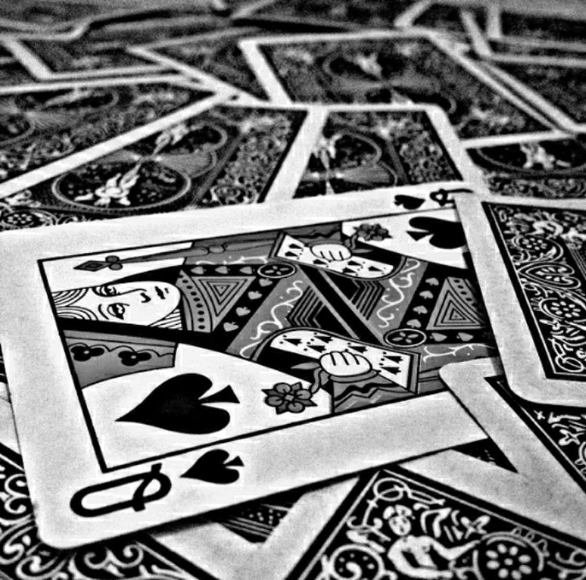 Fine Art Photography Cards Queen Playing