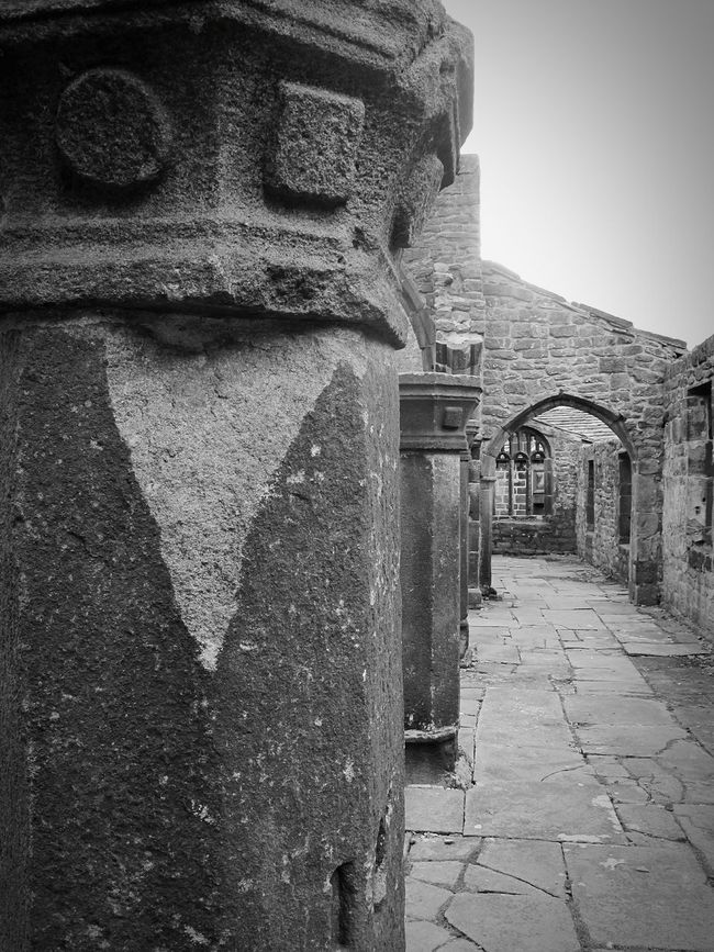 Things I Like Day Trip Architectural Detail Close Up Stone Carved Black & White Black And White Architecture Black And White Heptonstall Here Belongs To Me Yorkshire Church Ruins Churches Churchporn Churchyard Old Buildings Lined Up Frame It Monochrome Graveyard Beauty Church Ruin Ruins Windows Stones
