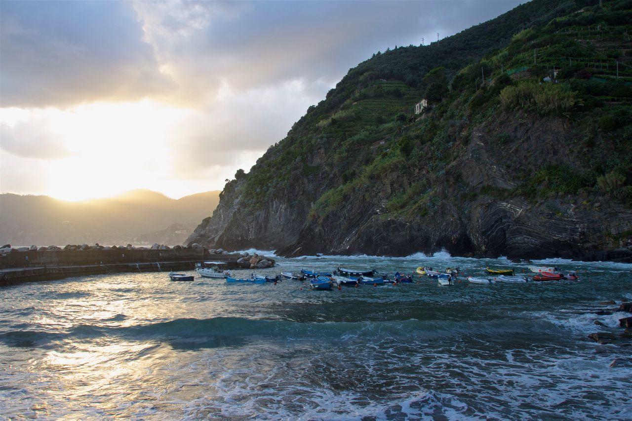 Cinque Terre Cinqueterre Italy Italia Italy❤️ Italian Italy🇮🇹 Sunset Boats Italianlandscape