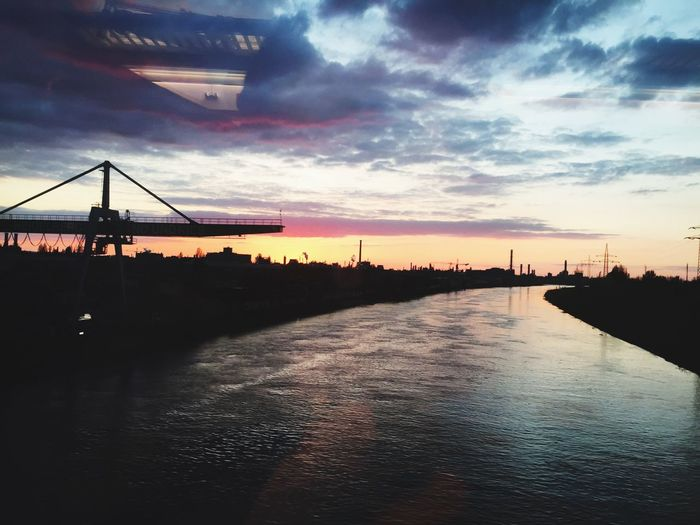 Sunset Waterfront Sky Crane - Construction Machinery River Oft Of The Train