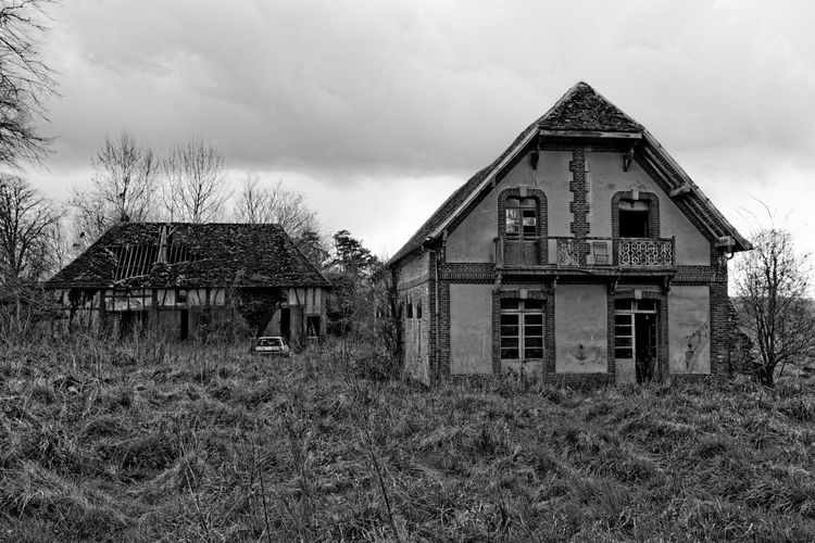 Abandoned Architecture Bare Tree Black And White Blackandwhite Built Structure Castle Château Château Des Singes Cloud - Sky Exploration Exploring Façade House Moth4fok No People Outdoors Roof Rotting Run-down Sky Urbaine Urban Urbex Window The Great Outdoors - 2017 EyeEm Awards The Architect - 2017 EyeEm Awards EyeEmNewHere Sommergefühle EyeEm Selects Your Ticket To Europe