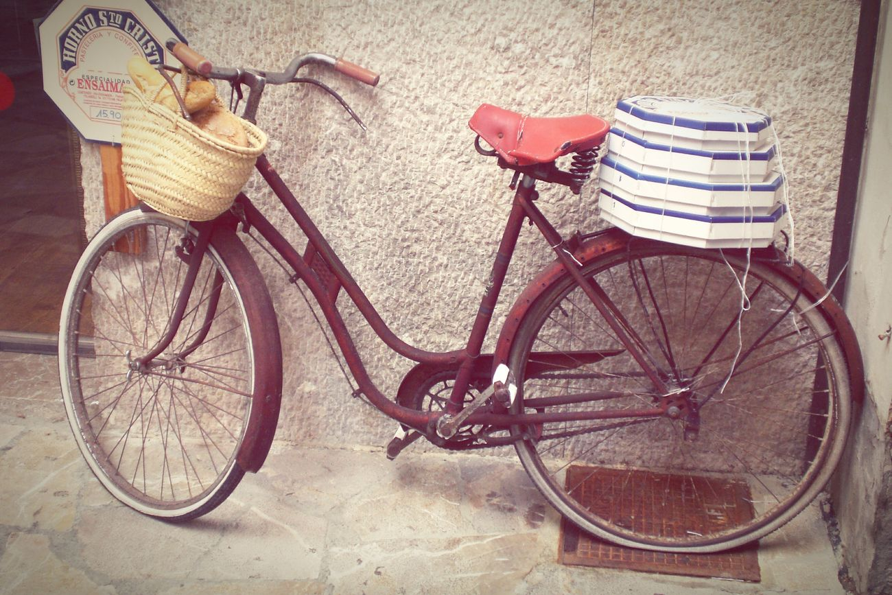 Dreamcycle Bicycle Transportation Mode Of Transport Stationary Outdoors No People Bicycle Basket Day Mallorca Pattiserie Palma City Old City Center Oldschool Good Old Times Rusty Metal Bakery EyeEmNewHere Lieblingsteil Let's Do It Chic!