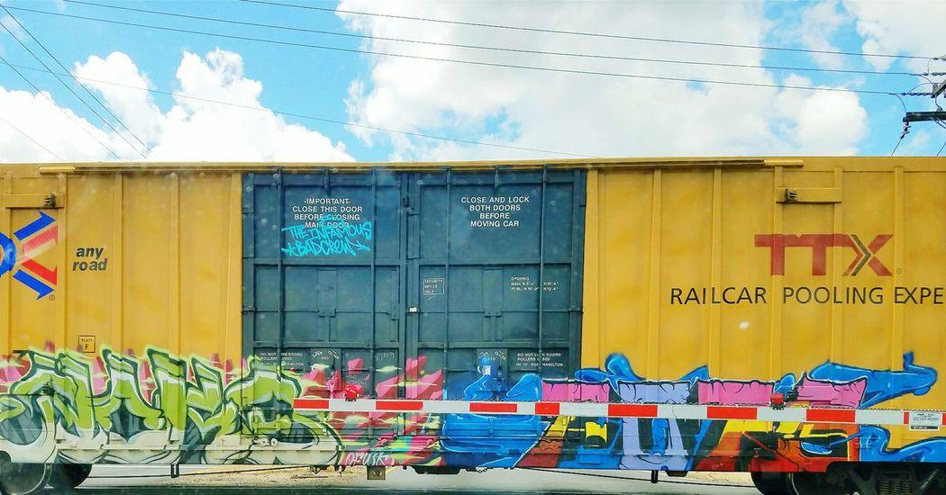 Graffiti Trainart The Great Outdoors - 2017 EyeEm Awards