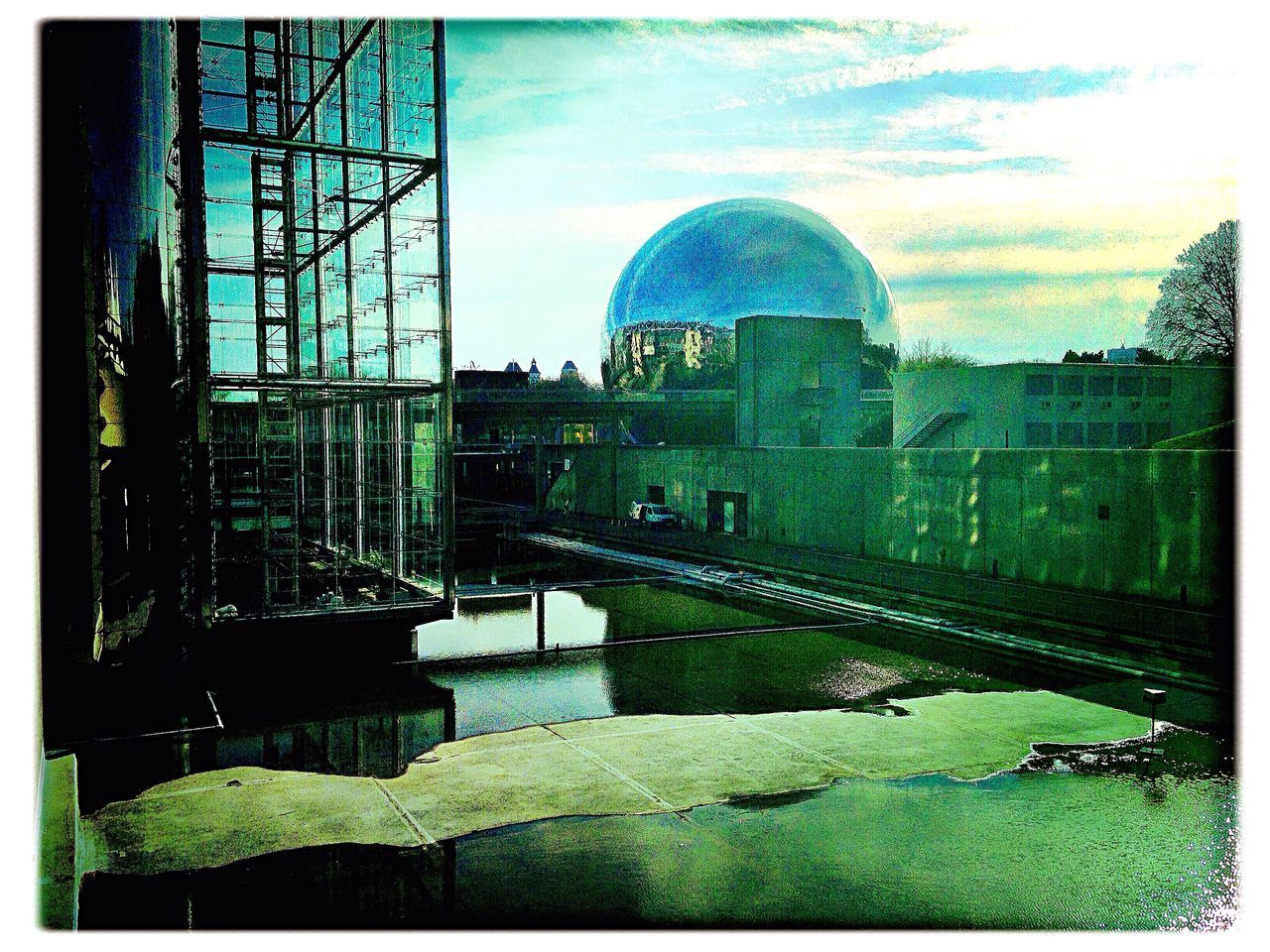 built structure, architecture, building exterior, reflection, dome, no people, sky, window, day, outdoors, city