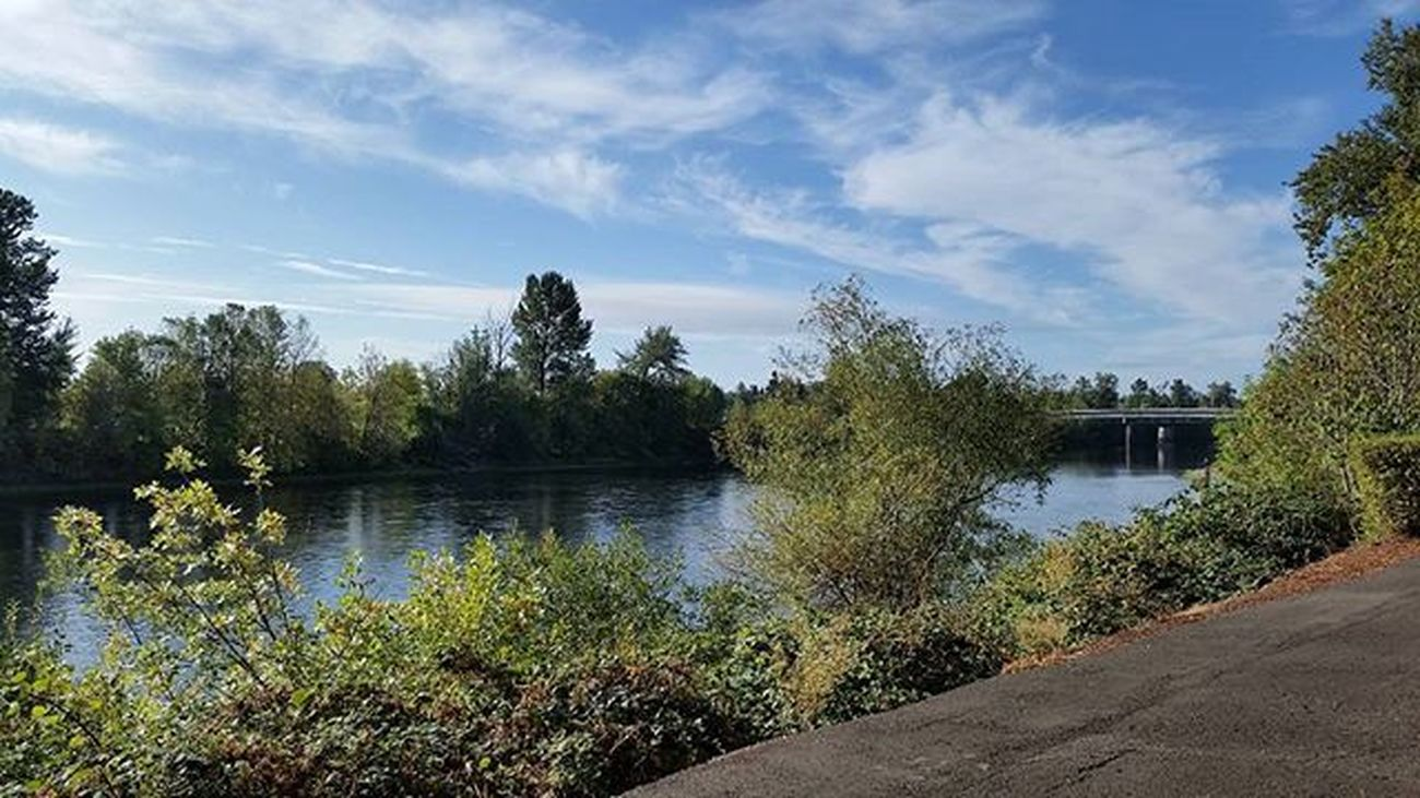 Great Run along the WilametteRiver pre Gameday . Collegefootball OregonState get out and MakeItHappen Enjoythelittlethings