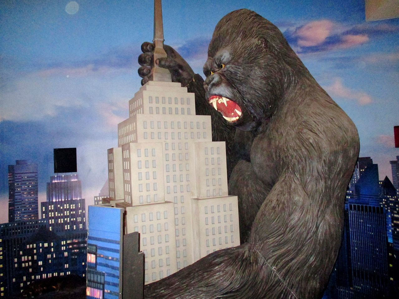 King Kong at the entrance of MadameTussauds museum in New York City Madametussauds Artistic Holywood New York City Empire State Building Empirestatebuilding Skyscrapers Kingkong  ArtPop Film MOVIE Filmstar Moviestar Movie Star New York The Best Of New York ArtWork NYC NYC Photography United States I Heart New York Ideas Creativity Arts Culture And Entertainment Art