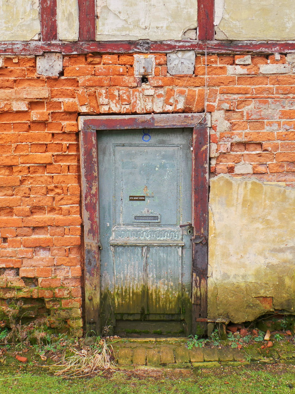 architecture, building exterior, built structure, brick wall, door, closed, house, wall - building feature, day, outdoors, green color, red, no people, facade