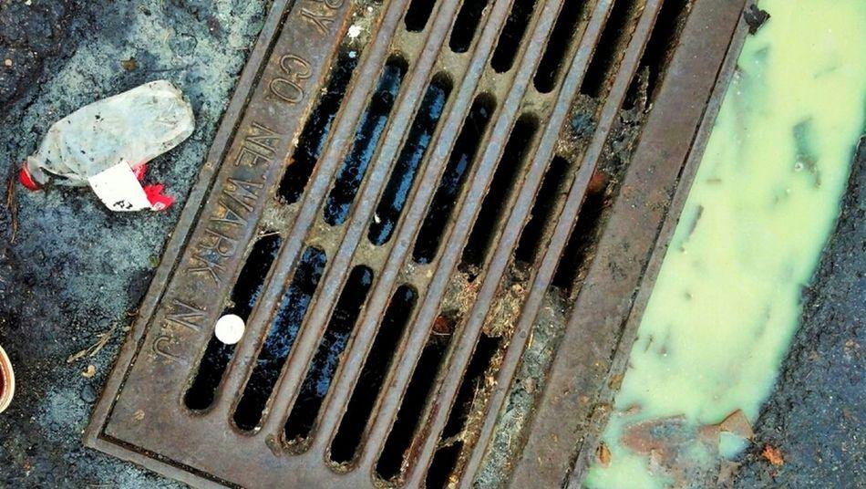 Streetphotography Garbage マンホール蓋 Manhole Lids Grime TheBestThingsAroundTheWorld