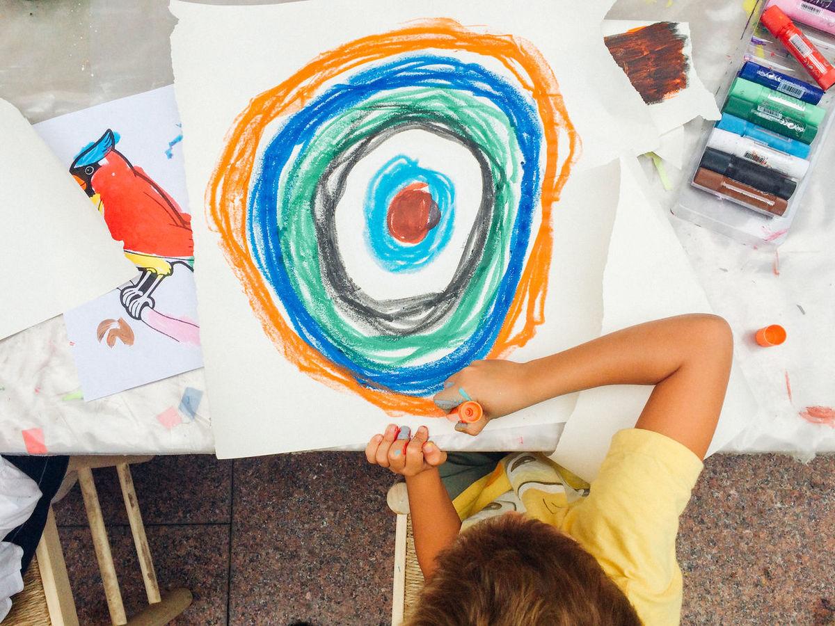 Art Art And Craft Artattack Barcelona Birds Childhood Choice Creativity Creativity Cultures Cute Graffiti Kids Lifestyle Lifestyles Person Real People Relaxation Street Art Street Artists Urban Variation