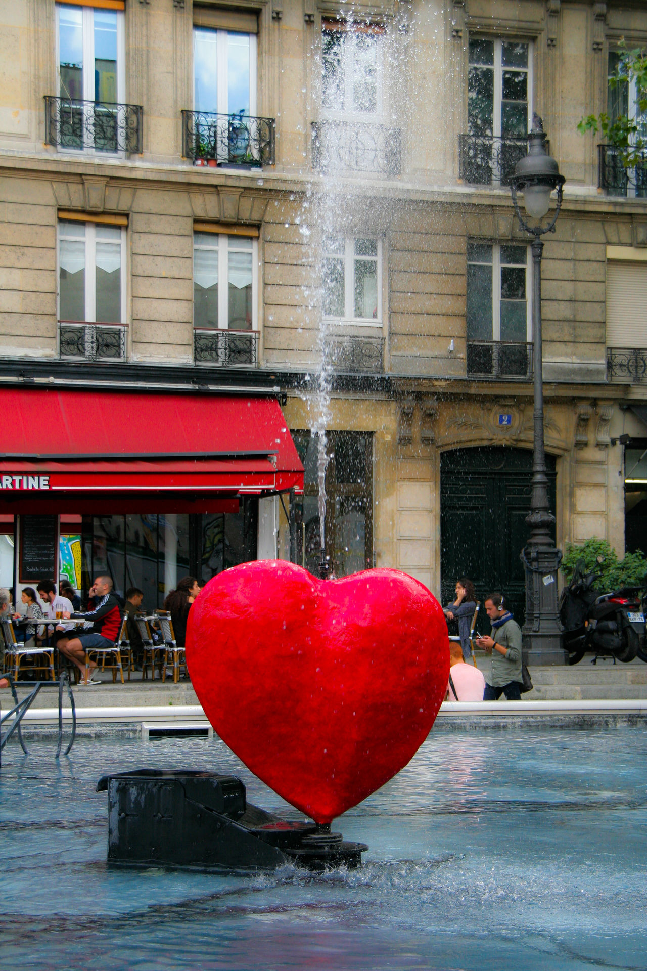 My Favorite Place Centre Georges Pompidou Fuente❤Agua Fuente Architecture Vibrant Color Vacations City Life Red Colorful Red Architecture Building Exterior Built Structure Travel Destinations City Life Day Outdoors Freshness Vacations Vibrant Color Paris Inspire TheWeekOnEyeEM