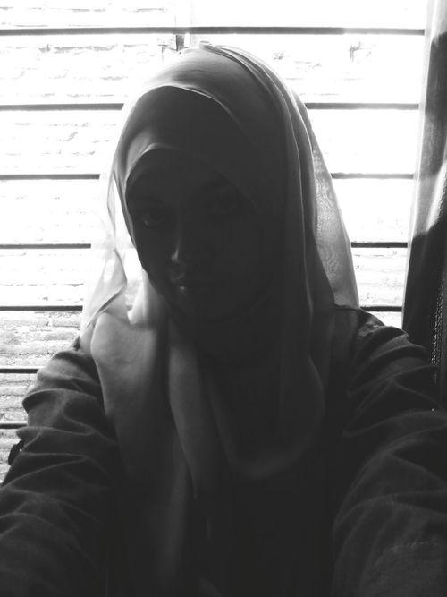 Silluet Black And White