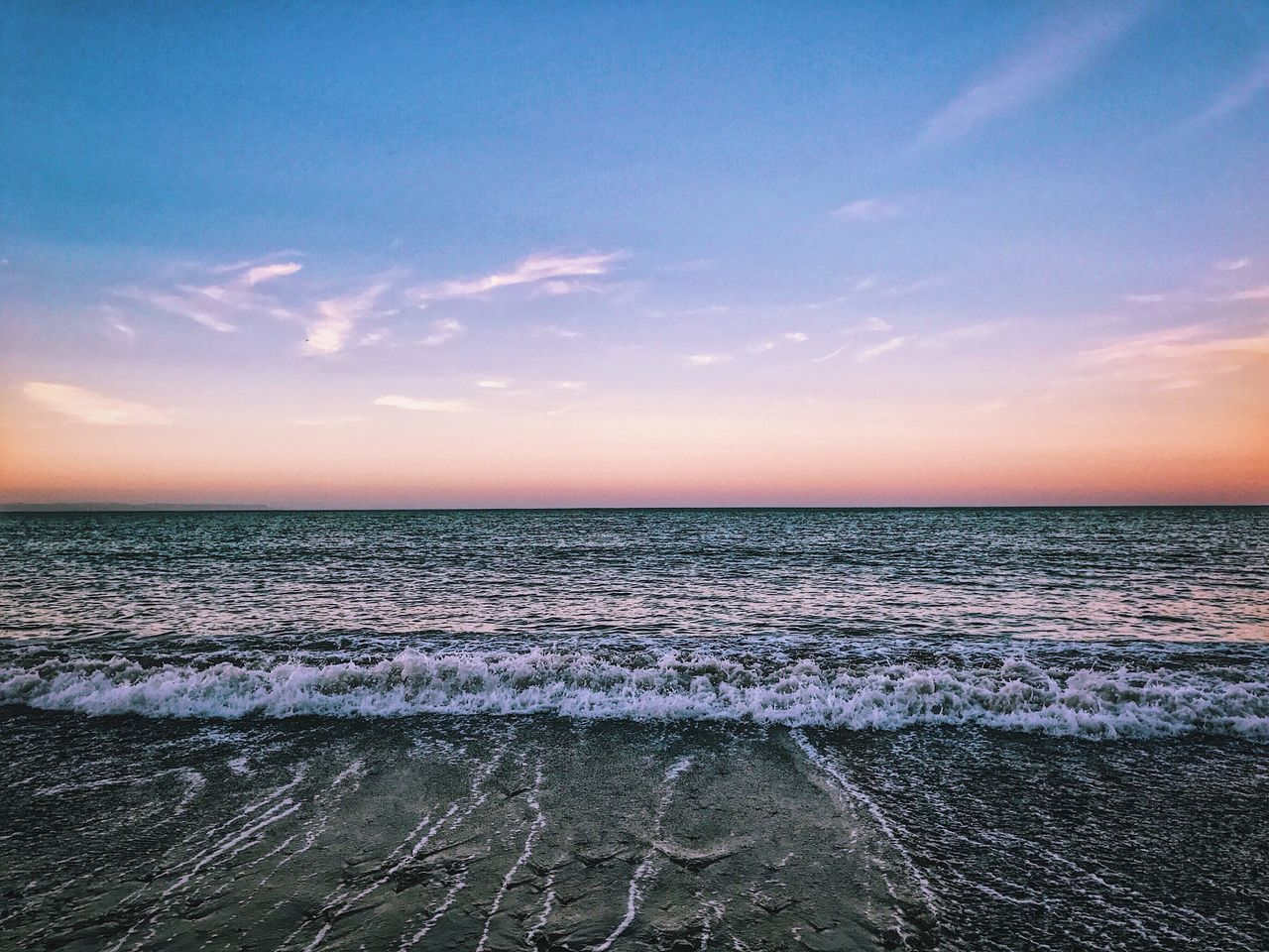 sea, scenics, beauty in nature, horizon over water, sunset, tranquility, nature, tranquil scene, sky, water, no people, cloud - sky, outdoors, beach, wave, day
