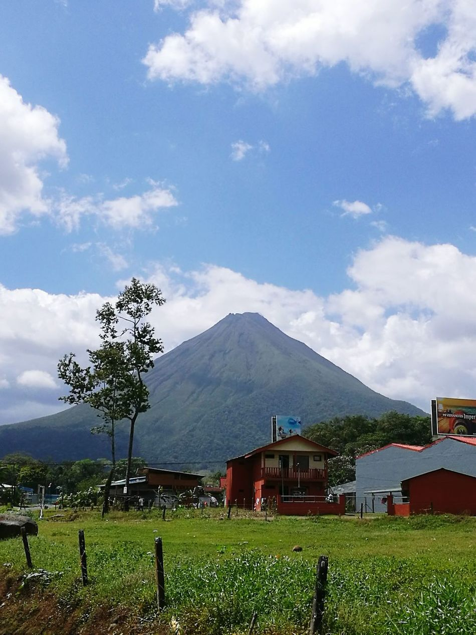 Volcan Arenal, Costa Rica. Landscape Volcano Costa Rica Y Su Naturaleza Paraíso