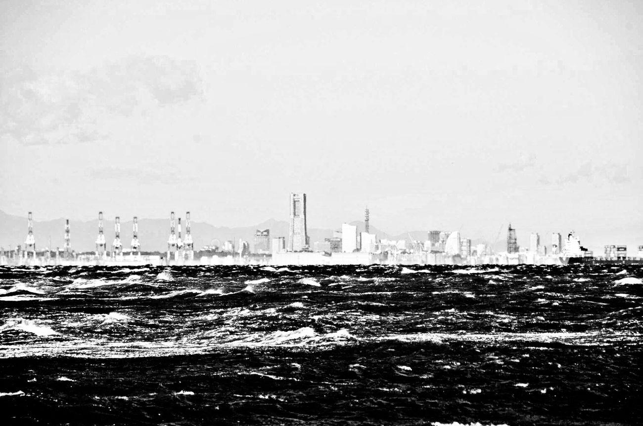 海の向こうは 神奈川県 東京湾