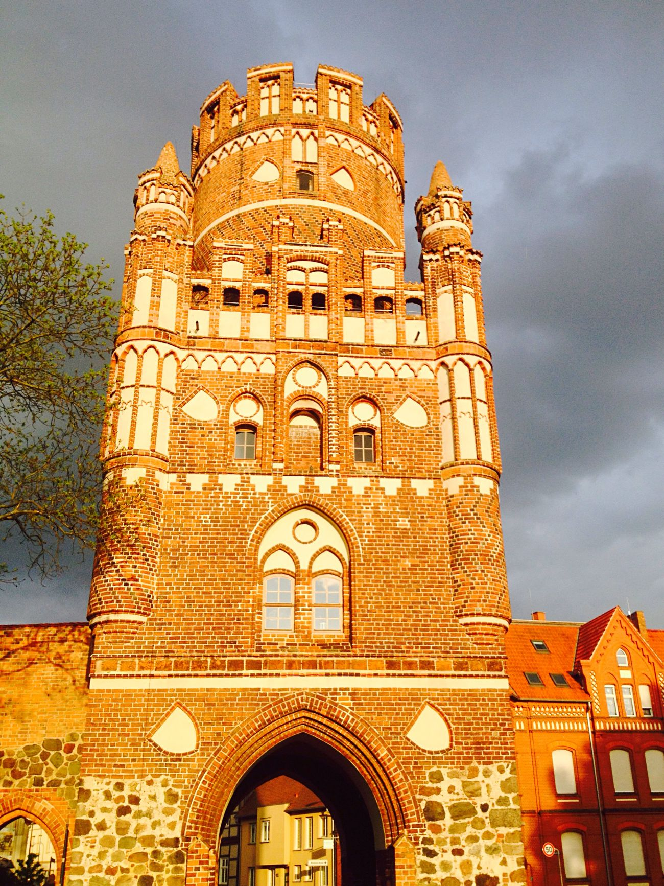 Hello World Uenglinger Tor in Stendal mit Heiko Heinkele Historical Building Old Buildings