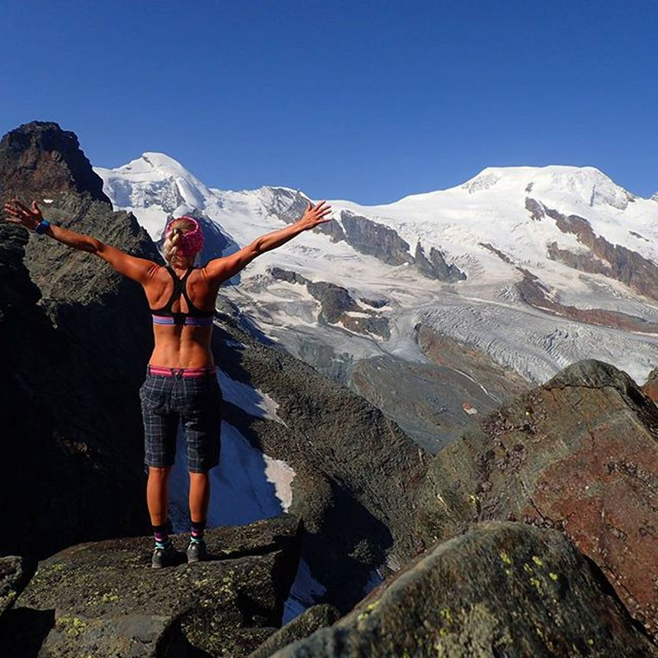 Mittaghorn Swissalps Switzerland Saasfee Allalin ViaFerrata Wu_switzerland Montagne_my_life Mountaingirls Alpinebabes Radgirlslife Maxjoylife Ig_switzerland Igswitzerland Columbia Salewa Whataview Sportaddict Loves_natura Loves_mountains Landscape_captures Ilovehiking Freeasabird Onthetopoftheworld Keeponsmiling lifeisgood ig_neverstopexploring mountainworld ocistimogore ON thE toP oF MiTTaghoRn 3143m▶muCH beTTer uP heRe▶inCrediBLe vieW ⭐⭐🌟🌟✨✨⭐⭐🌟🌟✨✨