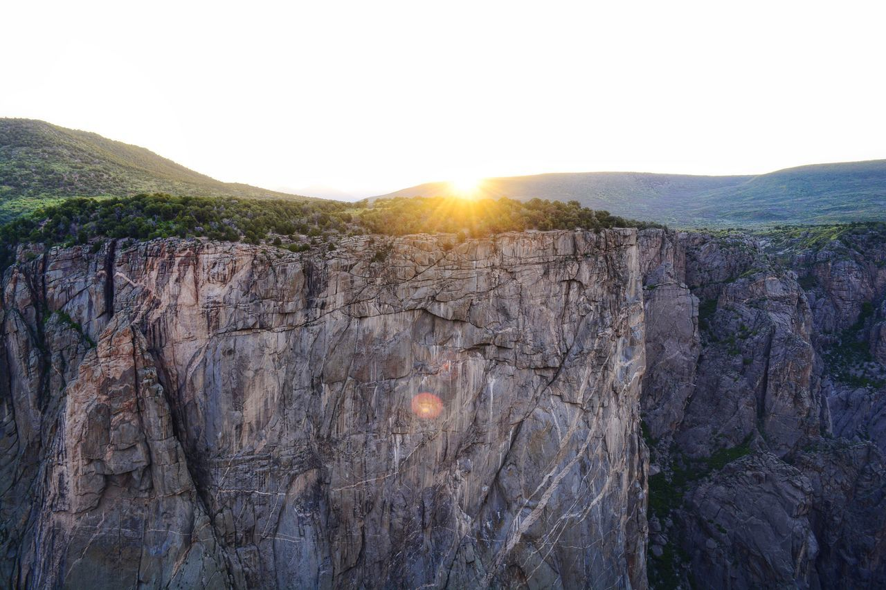 Black Cayon at sunrise! Latest obsession. Colorado Black Canyon Of The Gunnison Black Canyon Canyon Deep Valley Scerene Hiking Outdoors Adventure Peace Sunrise