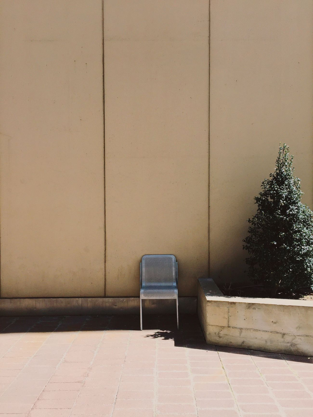 The last bit of shade. • Minimalism Minimalobsession Minimalmood Wall Chair Lonely Objects No People Lines Shade Mood Mood Captures EyeEm Deutschland Getting Away From It All Urbanexploration Silence