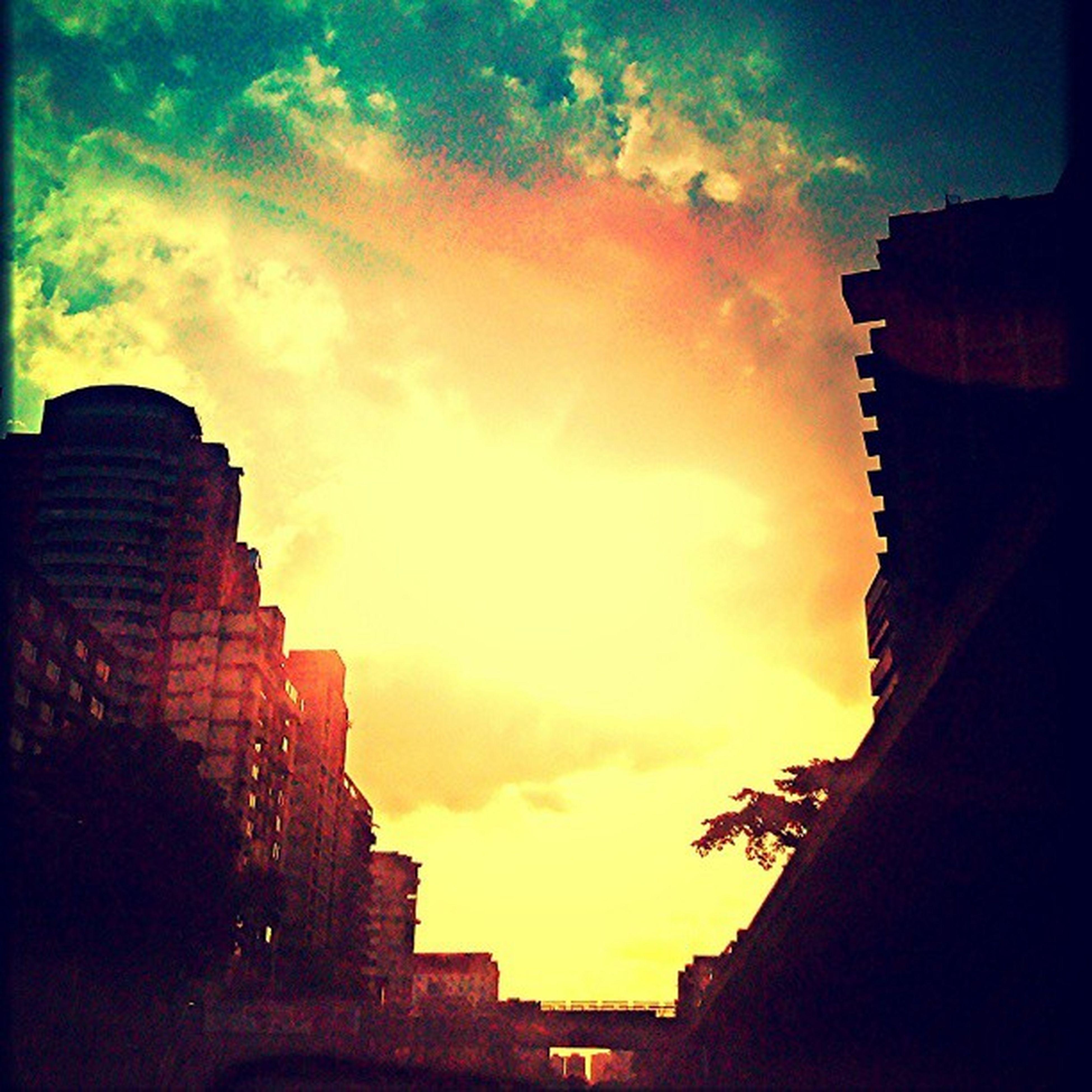 Tarde caraqueña sabatina. Fernandoluna . Fotografosvenezolanos . Instagramers . Igers . igersmundo. igersvenezuela. igerscaracas. igersmiranda. igersmaracay. igersaltosmirandinos. instavenezuela. insta_ve. instaphoto. urbangangfamily. venezuelafotos_. venezuelaforum. statigram. ig_caracas. photoblipoint. venezuela. gangfamily. streetphotovenezuela. streetphotography. gf_ve. instamoment. instacapture. instamood. gang_family. statigram. venezuelaes.