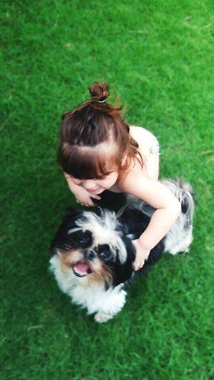 ♡♡♡ Eyemphotography Children Photography Children_collection Child And Dog Dogs Of EyeEm Dogs DogAndChild Criança E Cachorro Cachorro Grama