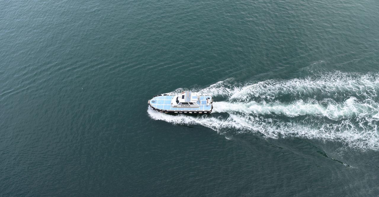 Boat Guide Lotse Lotsenboot Lotsenschiff Nautical Vessel Pilot Pilota Small Boat Vessel Water Let's Go. Together.