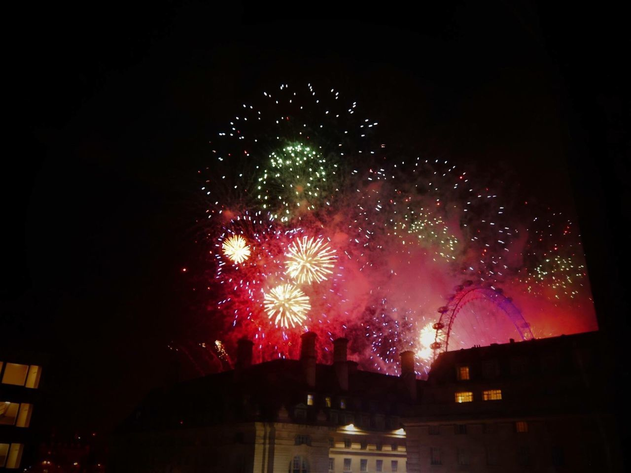 Nye2016 London view from my flat The Photojournalist - 2017 EyeEm Awards BYOPaper! The Street Photographer - 2017 EyeEm Awards Place Of Heart Fireworks Firework Display Colors Colorful LONDON❤ London Eye