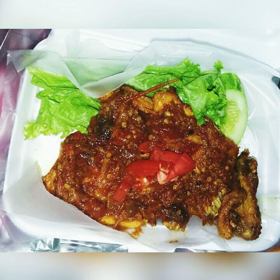 Ayam penyet pedess😨 🍚🍗🍱Asli ini tu yah enak batt..