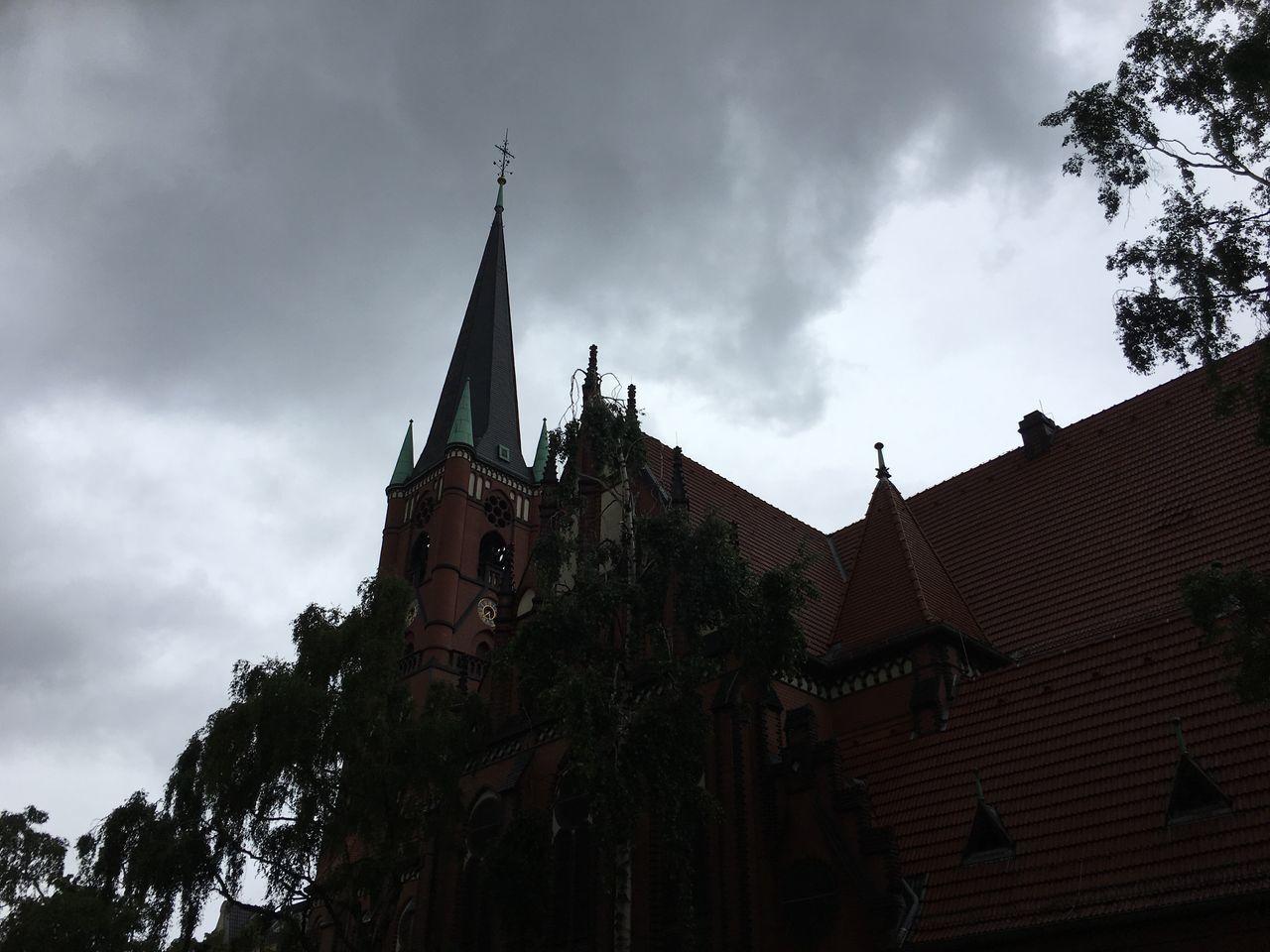 Götterdämmerung Samariterkirche SamariterKiez Clouds Dark Weather