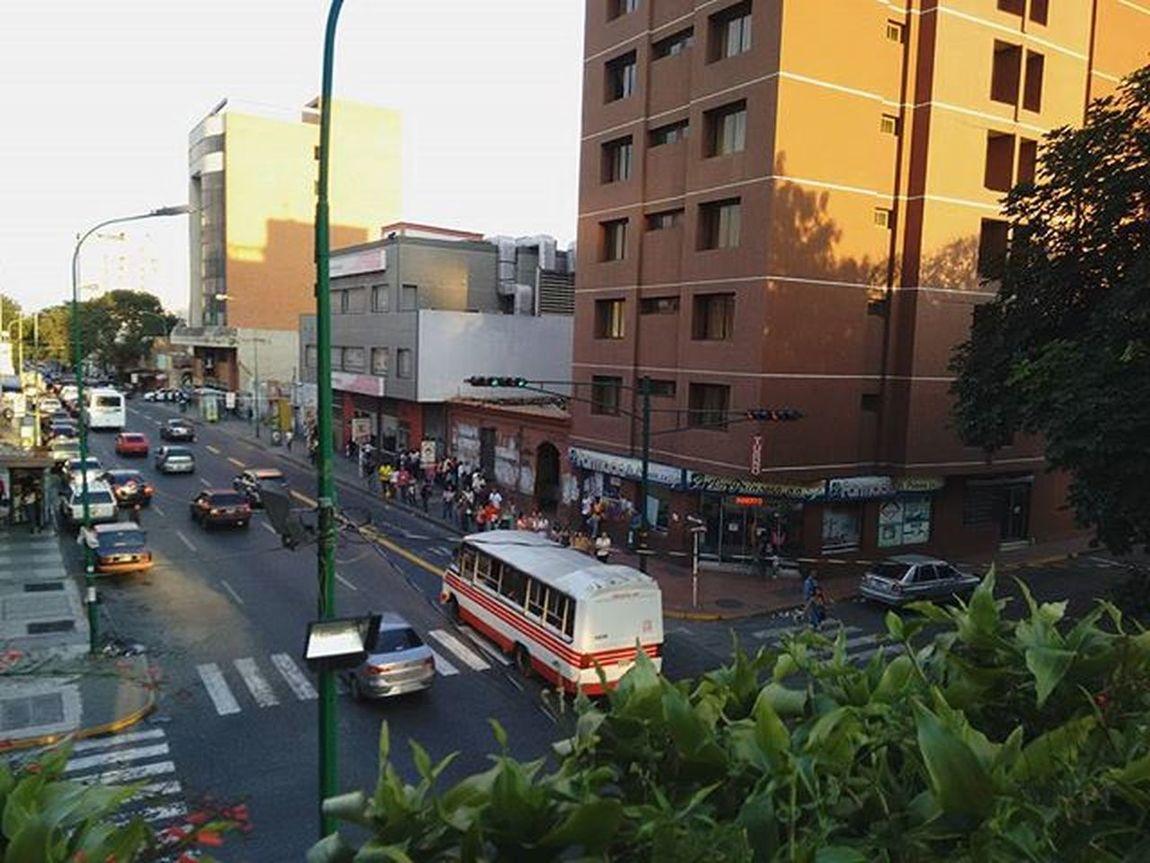 Arteria vehicular. Carrera 19, Barquisimeto. Lomejordebarquisimeto Bqto FotoDelDia