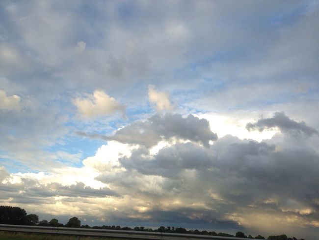Scenics Cloud - Sky Sky Cloudscape Cloud Dramatic Sky Tranquil Scene Tranquility Beauty In Nature Majestic Nature Atmosphere Non-urban Scene Day Atmospheric Mood Cloudy Ethereal Outdoors Cumulus Cloud Storm Cloud