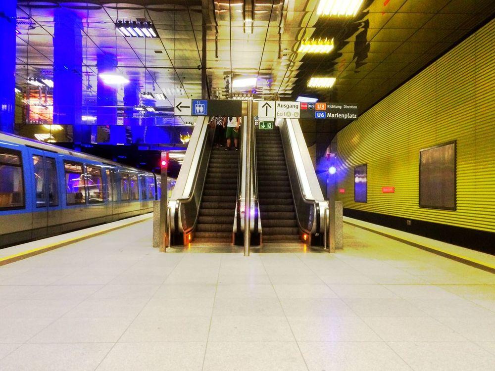 Waiting for my U-Bahn.