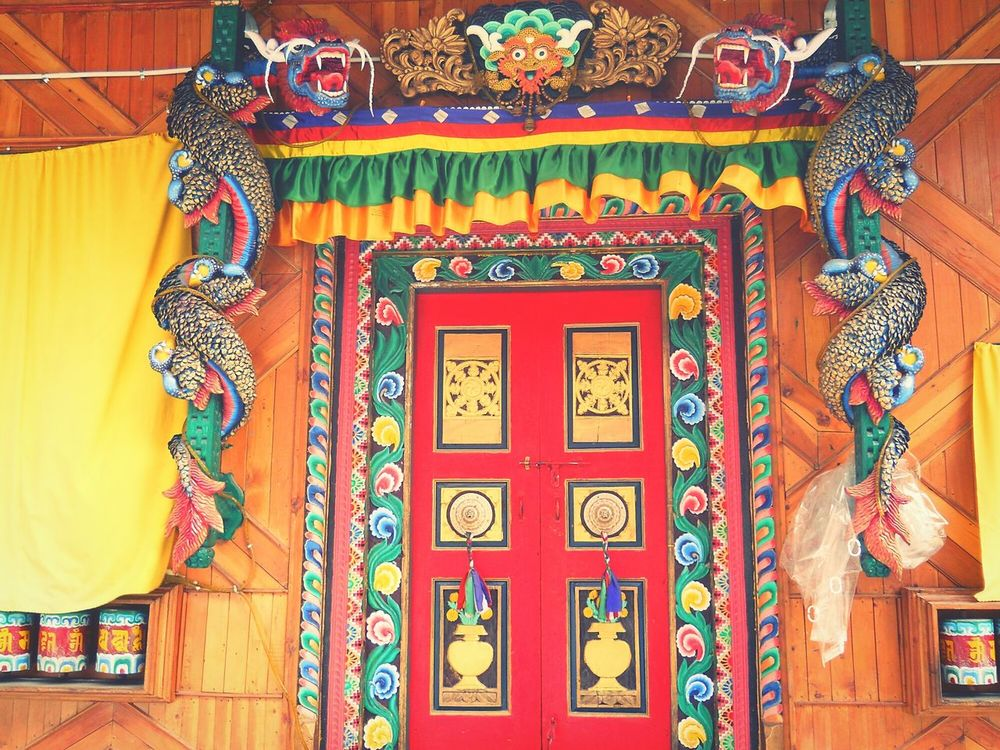 EyeEmNewHere Multi Colored Built Structure Architecture Pattern No People Day Beauty Door Colors Colours Colourful Dragon Wood Wood - Material Wood Curvings Art Is Everywhere India