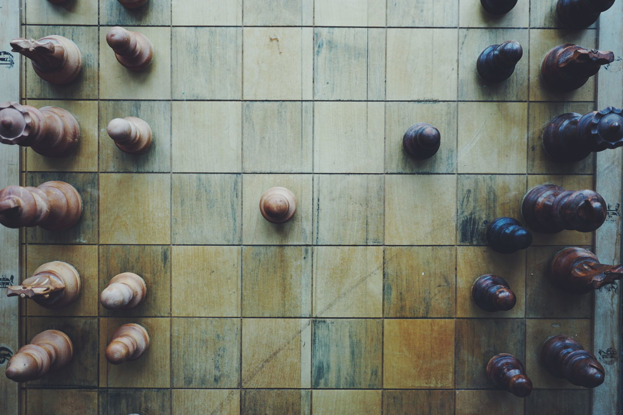 Chess Chess Chess Board Chess Piece Chessboard Chessgame Chesspieces Close-up Day Indoors  Leisure Games No People Queen - Chess Piece Strategy Top Perspective Top View