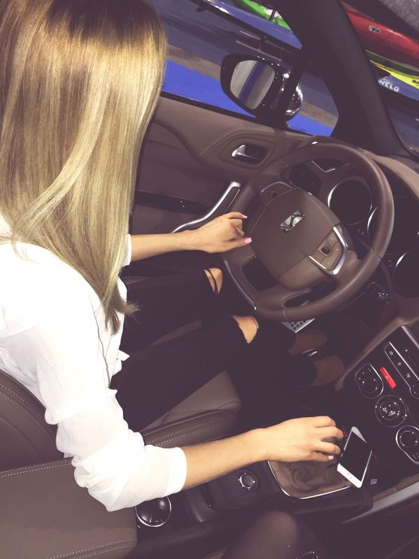 Work hard 🚘 Check This Out That's Me Hanging Out Hello World Cheese! Hi! Relaxing Taking Photos Enjoying Life Boatshow Hungexpo Budapest Hostess Car February 2016 February MASERATI Cars Work Working Hello World Girls Blonde Bestfriend Winter