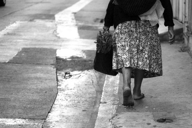 Oldlady Piesdescalzos Mexico